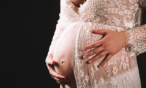 NW-Fotodesign-Babybauchfotografie-Spitzenkleid