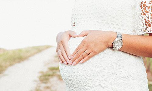 NW-Fotodesign-Babybauchfotografie-in-der-Natur
